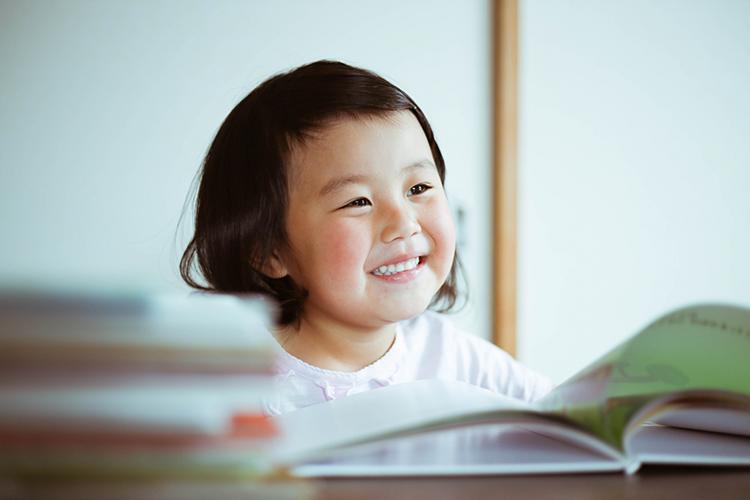 子供が絵本を読めるようになるのは何歳頃から?6歳年長さんとの出会いに衝撃